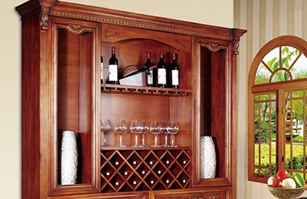 怎样去选择实木红酒柜呢?