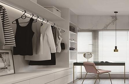 怎么清理实木衣柜呢?教你一个小诀窍